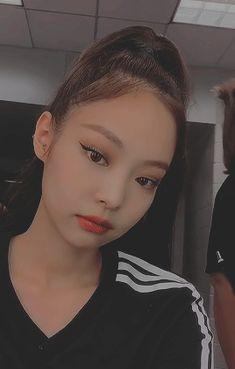blackpink in you area Kim Jennie, Lisa Blackpink Wallpaper, Blackpink Video, Asian Makeup, Black Pink Kpop, Blackpink Photos, Makeup For Brown Eyes, Blackpink Lisa, Aesthetic Girl