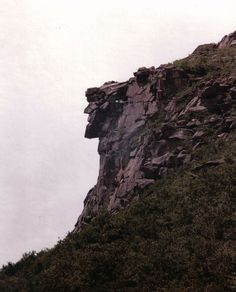 the old man of the mountain, cannon mountain, new hampshire -wish I could have seen it Franconia Notch, Thing 1, Mountain Art, Old Men, New Hampshire, Back Home, Beautiful World, New England, Places Ive Been