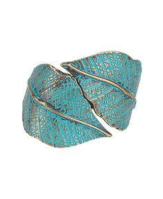 I'm obsessed with jewellery that evokes the spirit of natural design, especially leaves. The color and texture of this cuff looks so beautiful and simple that you could dress it up or wear it casually.