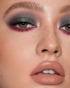 KOURTxKYLIE Green Palette + French Kiss Velvet ⭐️ Back today at pst! Be quick on the mega bundles (everything in one Glam Makeup, Makeup Inspo, Makeup Inspiration, Eye Makeup, Hair Makeup, Makeup Ideas, Purple Lipstick Makeup, Makeup Morphe, Witch Makeup