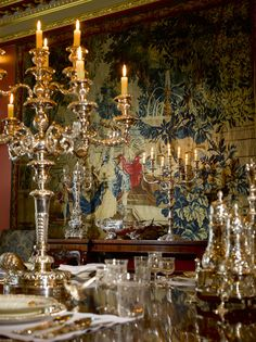 The lavish lifestyle of an Irish lord in London : The Drawing Room of Dr Edward Haughey aka Lord Ballyedmond of Mourne; New York Penthouse, Interior Design And Construction, Log Home Interiors, Collections Of Objects, Luxury Dining Room, Banquet Tables, Table Arrangements, Country Christmas, Art Decor