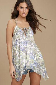 #AdoreWe #Lulus Lulus❤️Designer Womens Magic Garden White Floral Print Lace-Up Top - AdoreWe.com