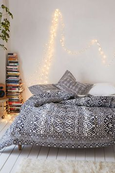 Plum & Bow Agra Stripe Comforter - Urban Outfitters