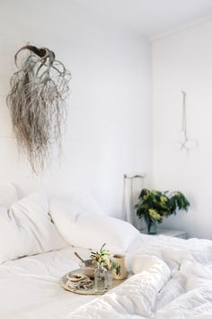 my scandinavian home: Beautiful photography inspiration From Lean Timms (breakfast in bed is never wrong! Small Room Bedroom, Bedroom Decor, Bedroom Ideas, Hygge, Minimal Bedroom, Breakfast In Bed, Breakfast Platter, Slow Living, Rustic Interiors