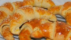 Puha vajas kifli Recept képpel - Mindmegette.hu - Receptek Hungarian Cuisine, Hungarian Recipes, Hungarian Food, Hungarian Cookies, Bread Recipes, Cooking Recipes, Salty Foods, Dessert Cake Recipes, Best Food Ever