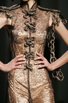 Jean Paul Gaultier even w/o the chain over the arm; Weird Fashion, Punk Fashion, Love Fashion, Runway Fashion, High Fashion, Womens Fashion, Jean Paul Gaultier, Fashion Details, Fashion Design