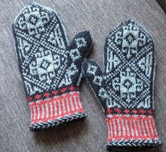 Ravelry: Project Gallery for 6-4 Mitten pattern by Anna Zilboorg