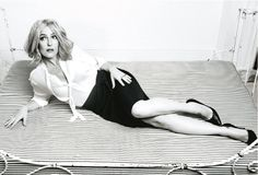 Gillian Anderson is a film, television, and theatre actress mostly known for the roles of Special Agent Dana Scully in the series The X-Files. Gillian Anderson, Female Actresses, Actors & Actresses, X Files, Manequin, Dana Scully, Before Us, Famous Women, Beauty Women