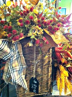 Beaux R'eves: A Look at Fall over at Nell Hill's   love the ribbon