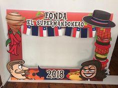 Cuadro selfie para celebrar las fiestas patrias #fonda #fiestaspatrias #vivachile #festejo #chile #chilegram #instachile #santiagocentro Minions, Origami, 18th, Baby Shower, Empanadas, Peru, Cami, Spa, Instagram