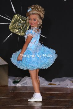 DESIGNS BY HOLLY HOME PAGE