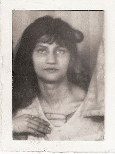 Jeanne Hébuterne, 1918-19 by Unknown, French photographer