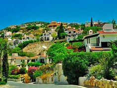 Полис — это небольшой город расположенный в северо-западной части острова Кипр, который омывается заливом Хрисоху.