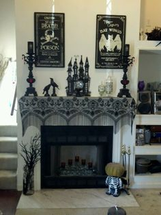 Another great Halloween mantel design. I like how it's done in greys & blacks.