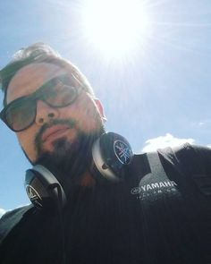 Teresina tem um sol para cada pessoa!  #calor #muitoquente #terehell #teresinapi #headphones #auriculares #yamaha #music #bestaudio #beard #sunglass #sun #blueskye #yamahamusicalbr #yamahaaudio #yamahaavau