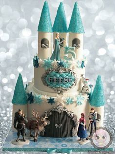 This is my second frozen castle cake and I had just as much fun making it….the towers and cones are hollow inside (Fondant+CMC set on pipes and removed later once set). Bolo Frozen, Torte Frozen, Frozen Castle Cake, Castle Cakes, Elsa Birthday, Frozen Birthday Cake, Birthday Cake Girls, Turtle Birthday, Turtle Party