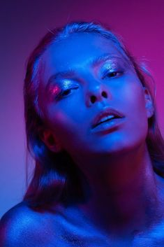 7 Top Beauty Tips From Around The World Colour Gel Photography, Light Photography, Portrait Photography, Photoshoot Lights, Photoshoot Concept, Top Beauty, Beauty Tips, Beauty Hacks, Neon Aesthetic