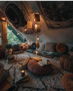 Bohemian Latest And Stylish Home decor Design And Life Style Ideas - Bohemian Home Hangout Room, Room Goals, Aesthetic Room Decor, Room Ideas Bedroom, Girls Bedroom, Hippie Bedrooms, Bedroom Beach, Bedroom Romantic, Bedroom Designs