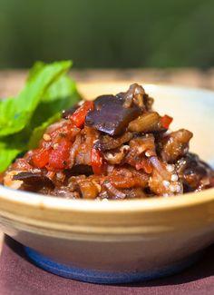 foodblog: paules ki(t)chen » Blog Archiv » • Orientalischer Melanzanisalat, fast wie bei Maschu Maschu