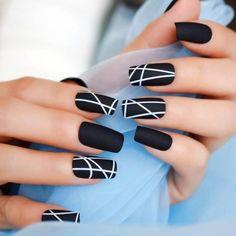 Simple and Amazing Gel Nail Designs For Summer - Page 4 of 50 - SooPush Nails design, nail art, nail ideas, summer nails, gel nails. Black White Nails, Black Acrylic Nails, Best Acrylic Nails, Yellow Nails, Matte Nails, Matte Black, Black And White Nail Designs, Gradient Nails, Holographic Nails