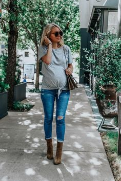 Maternity Jeans I Love - Outfit - Jeans . - Maternity Jeans I Love – Outfit – - Winter Maternity Outfits, Stylish Maternity, Maternity Jeans, Fall Outfits, Maternity Clothing, Fall Pregnancy Outfits, Summer Maternity Fashion, Pregnancy Jeans, Pregnant Outfits