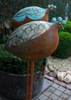 - raku - - List of the most creative DIY and Crafts Pottery Animals, Ceramic Animals, Ceramic Birds, Ceramic Pottery, Pottery Art, Ceramic Art, Sculptures Céramiques, Bird Sculpture, Clay Birds