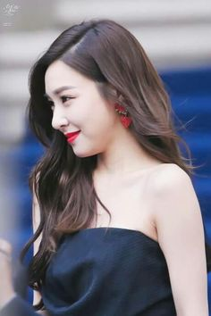 [HQ] 290317 Tiffany - Push Button SFW 2017 by All That Hyun http://www.tyche801.com/xe/DATA/954763