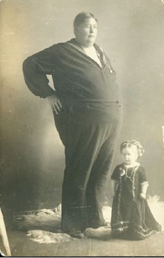 Vintage tallest man, smallest woman picture