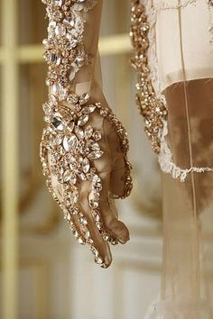 Givenchy Haute Couture convincing us that it's the little intricate details that make a piece exquisite