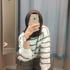 Casual Hijab Outfit, Ootd Hijab, Hijab Chic, Hijabi Girl, Girl Hijab, Modern Hijab Fashion, Muslim Fashion, Foto Mirror, Fashion Pants