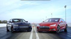 De test die je wist dat zou komen: Dodge Charger Hellcat vs. Tesla Model S P85D