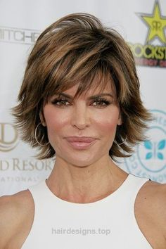 Short Celebrity Hairstyles for Women Over 50-Lisa Rinna   http://www.hairdesigns.top/2017/07/17/short-celebrity-hairstyles-for-women-over-50-lisa-rinna/
