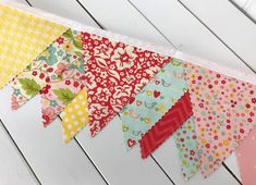 Baby shower gift. Winnie the Pooh mini bunting 18 flags Nursery decor