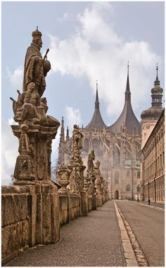 The cathedral of St.Barbara in Kutná Hora (Central Bohemia), Czechia. Photo by Alexey Michajlov we're going here in Prague! Places To Travel, Places To See, Bósnia E Herzegovina, Prague Travel, Prague Czech Republic, Travel Around, Travel Inspiration, Destinations, Beautiful Places