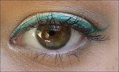 Oeil de chat vert lagon