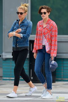 Kristen Stewart & Dakota Fanning Hang Out in New York City!: Photo Kristen Stewart and Dakota Fanning make their way out of a hotel together for a night on the town on Tuesday evening (October in New York City. The gal pals… Dakota Fanning, Kristen Stewart, Billy Lynn, Celebrity Sneakers, American Ultra, Sils Maria, Girl Gang, Cute Woman, Actresses