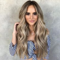 Balayage hair is suitable for light and dark hair, almost all lengths except very short haircuts. Today I want to show you the most gorgeous balayage hair dark color ideas. Balayage has become the biggest trend in recent seasons, and it's not over Blond Hair With Lowlights, Honey Blonde Hair, Balayage Hair Dark Blonde, Blonde Bangs, Brown Hair Blonde Highlights, Dark Blonde Hair With Highlights, Blonde Balayage Honey, Blonde Hair For Brunettes, Dark Blonde Ombre