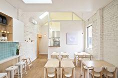 Little Man Cafe / Wala