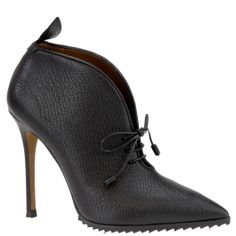 Agnona ankle boots in black, from autumn winter 2014. www.wunderl.com
