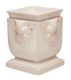 Windsor Full-Size #Scentsy Warmer    Add a regal touch with a polished, square shape and exquisite scrollwork detailing.    Your Price: £35.00