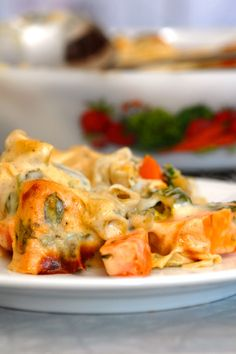 Family friendly and nutritious vegetable gratin – Oppskrifters Sweet Potato Dinner, Cheese Sauce, Friends Family, Macaroni And Cheese, Carrots, Shrimp, Vegetarian, Meat, Chicken