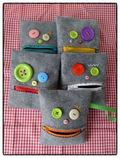 and 🛍️ Bags and Purses Felt Crafts, Fabric Crafts, Sewing Crafts, Diy And Crafts, Sewing Projects For Kids, Sewing For Kids, Operation Christmas Child, Creation Couture, Sewing Hacks