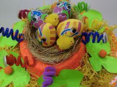 Giant dinosaur egg - Easter bonnets for boys - Netmums Giant Dinosaur, Dinosaur Eggs, Easter Crafts, Crafts For Kids, Easter Ideas, Easter Photo Frames, Easter Bonnets For Boys, Easter Hat Parade, Bonnet Hat