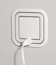 Node Power Outlet Allows Users to Plug In At Every Angle