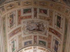 Palacio. Bóveda  del primer tramo de la escalera