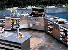 Viking gas grills are built outdoor tough and feature completely insulated, double side wall construction and rugged, ultra thick stainless steel that assists in regulating temperatures. These good looking outdoor gas grills are designed and built for a l Outdoor Gas Grills, Outdoor Kitchen Grill, Outdoor Kitchen Design, Outdoor Cooking, Outdoor Kitchens, Outdoor Grilling, Backyard Kitchen, Luxury Kitchens, Backyard Bbq