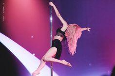 Solar Mamamoo❤180819 4SEASON S/S CONCERT Empowering Songs, Kylie Baby, Joffrey Ballet, No More Drama, Mamamoo Kpop, Solar Mamamoo, Shes Perfect, Sensual, Dancer