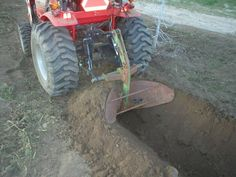 No Backhoe? No Problem! How to Dig Without a Backhoe - Page 5 of 8 - TractorByNet Tractor Drawbar, Yard Tractors, Tractor Decor, Tractor Seats, Compact Tractor Attachments, Garden Tractor Attachments, Homemade Tractor, Tractor Accessories, Kubota Tractors