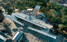 A segunda maior tela de cinema do mundo e o museu de Melbourne em um mesmo…
