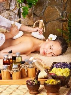 Spa Massage and aroma therapy . Massage Spa, Good Massage, Massage Room, Massage Therapy, Facial Massage, Neck Massage, Ayurveda, Corps Éthérique, Massage Relaxant